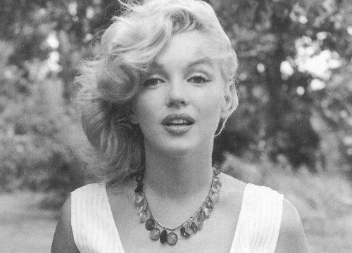She wasn't just a sex symbol, she was a classy, independent lady. LOVE YOU MARILYN <3