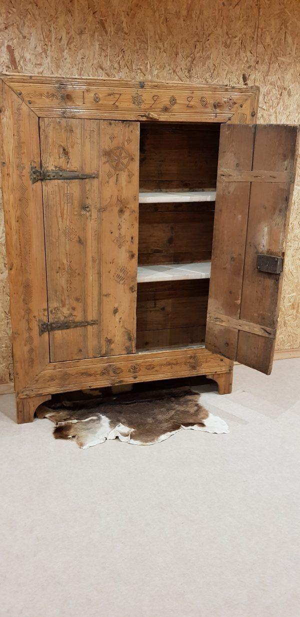 Armoire De Bergerie Ancienne Decor Home Decor Furniture