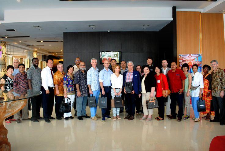 Kunjungan Duta Besar dan investor dari berbagai negara dalam rangka HUT Kota Magelang ke 1109, dan rombongan berkesempatan lunch di Pamiluto Restaurant Atria Hotel & Conference Magelang.  #AtriaHotelMagelang #AyoKeMagelang2015