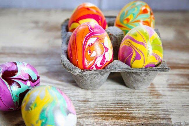 Ostern: Eier mit Nagellack färben