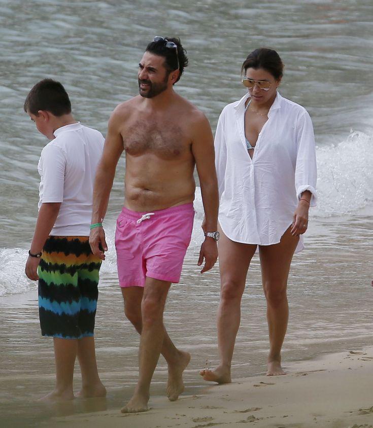 #EvaLongoria, #Husband Eva Longoria With Husband Jose Baston in Honolulu – 04/19/2017   Celebrity Uncensored! Read more: http://celxxx.com/2017/04/eva-longoria-with-husband-jose-baston-in-honolulu-04192017/