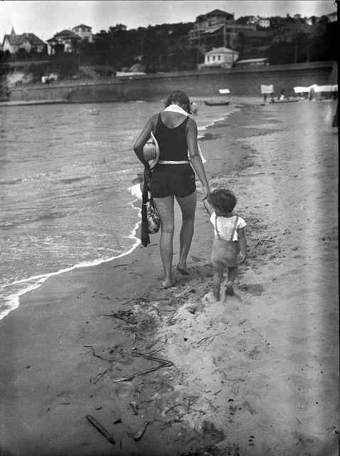 Monte Estoril beach, Portugal 1928 by Biblioteca de Arte-Fundação Calouste Gulbenkian