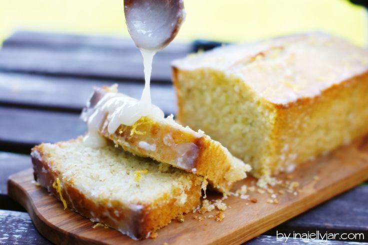 Zucchini-Zitronenkuchen mit Zitronenglasur