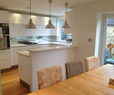 White Gloss Kitchen Diner   Lights Over Work Top
