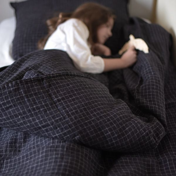 www.lereperedesbelettes.com 1599-5440-thickbox housse-de-couette-en-lin-lave-carreaux-noir.jpg