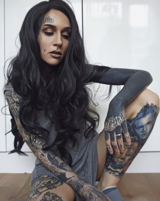 Model Monami Frost. Photo: Instagram.