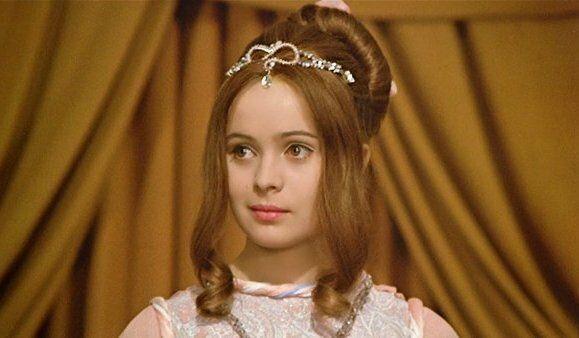 Три орешка для Золушки: Охотник, Принцесса, Невеста | Золушка, Актрисы,  Принцессы