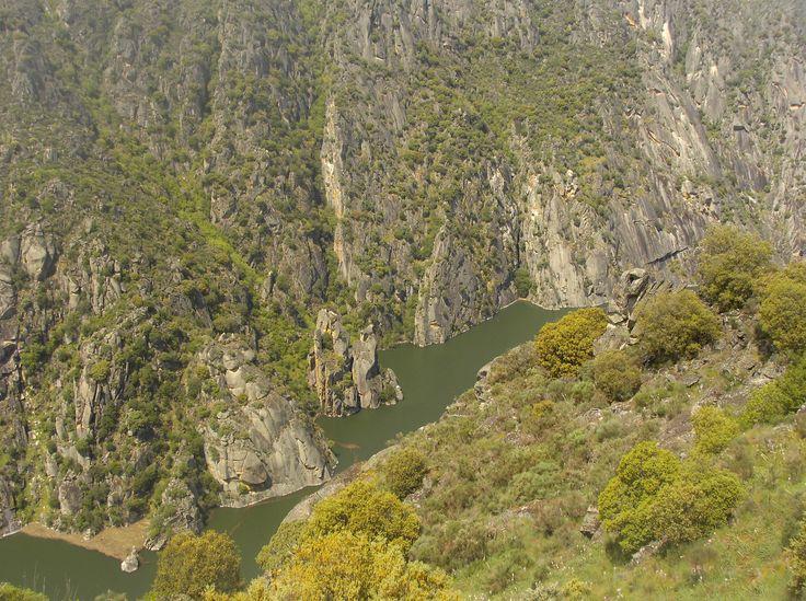 Vistas desde las proximidades de la presa de Aldeadávila.