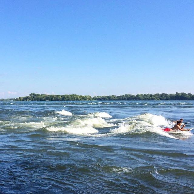 One more #escapemoment from our @kalimalinka's visit to Montreal with @Oikos_Canada for the Lolë White Tour!​ Surfing the Lachine Canal rapids. Quite the #MomentDEvasion​! 👍🌊🏄