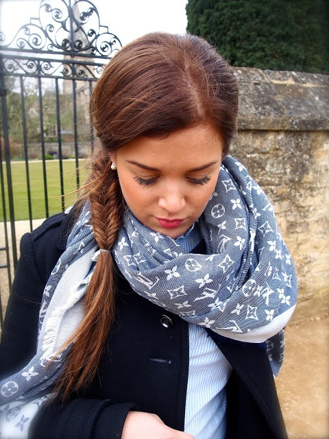 Louis Vuitton scarf. In love! #Louis #Vuitton #Scarf