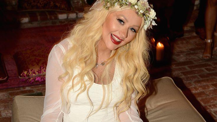 Naked cake! See Christina Aguilera's raunchy baby shower cake