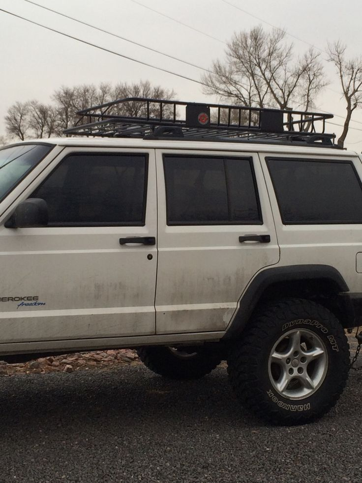 "3 1/2 inch lift with 33"" tires Jeep cherokee xj, Jeep xj"