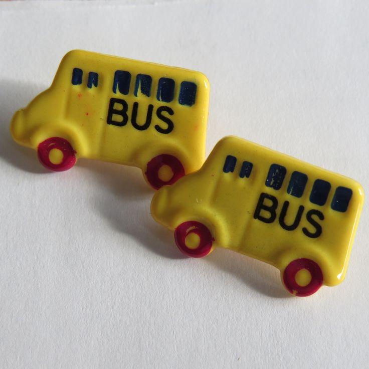 Joli bouton jaune en forme d'autobus scolaire : Boutons par josiecoccinelle