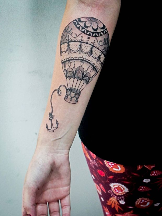 love the hot air balloon! get rid of the anchor and its beautiful