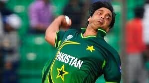 Watch Latest Video, Games and Pictures Online : Watch Shoaib Akhtar Bouncer to Brian Lara - Cricket online