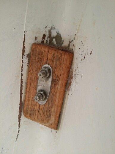 Hardwood chock