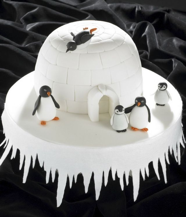 Igloo and penguins Christmas cake