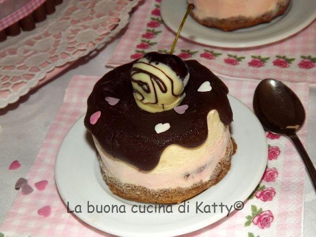 La buona cucina di Katty: Semifreddo bigusto al caffè rum e ciliegie