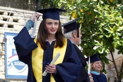 3.22 Those Are Strings, Pinocchio | Community Post: 23 Best Gilmore Girl Episodes Ever