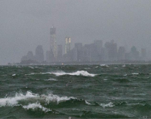 Hurricane Sandy strikes East Coast with a vengeance - NY Daily News
