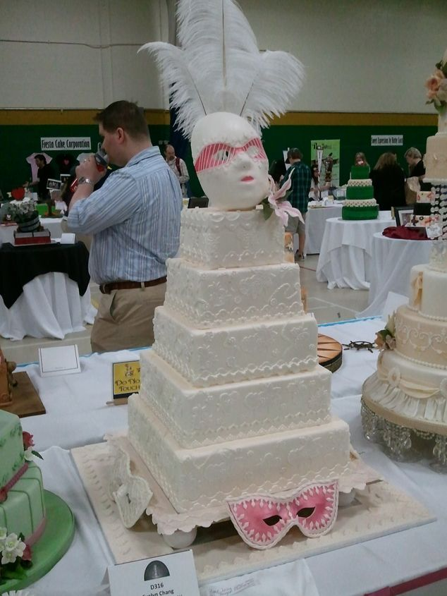 masquerade wedding decorations   ... Wedding Planning, Blog and Marketplace » Masquerade wedding cake idea