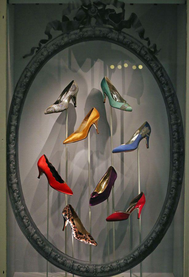 Queen's Jubilee display of shoes at Harrods, London. #shoe_display