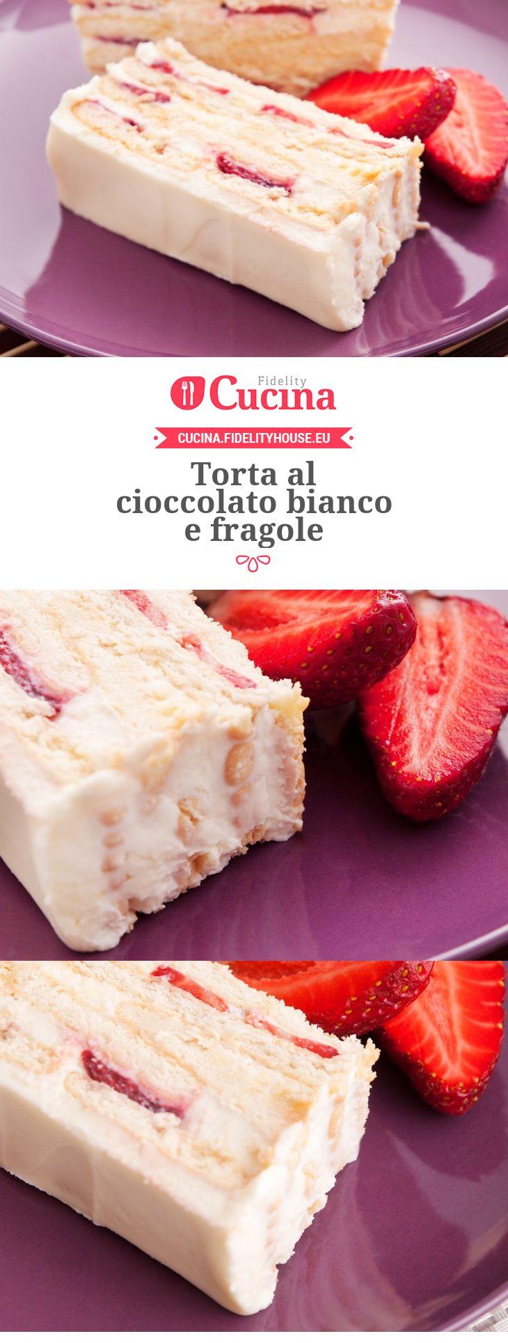 La #torta al #cioccolato bianco e #fragole è un dolce dal sapore ricco e corposo ma anche leggero grazie alla presenza delle fragole.