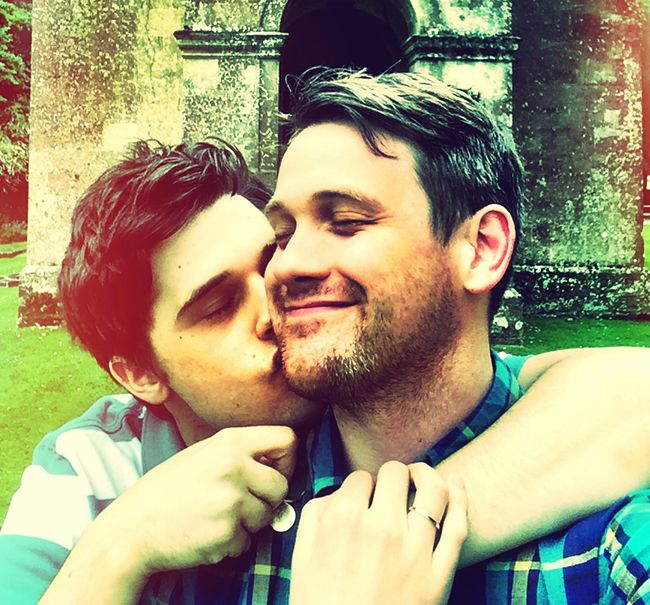 ANDY MIENTUS ! KISS HIS SIGNIFIFACNT OTHER MICHAEL ARDEN !