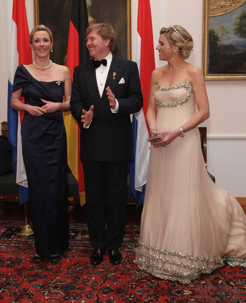 Princess Maxima Photos Photos - Princess Maxima (R), Prince Willem-Alexander of the Netherlands and German First Lady Bettina Wulff attend a state banquet given in honour of the visiting Dutch royals at Bellevue Presidential Palace on April 12, 2011 in Berlin, Germany. The Dutch royals, including Queen Beatrix, Prince Willem-Alexander and Princess Maxima, are on a four-day visit to Germany that includes stops in Berlin, Dresden and Duesseldorf. - HRH Queen Beatrix Of The Netherlands And…