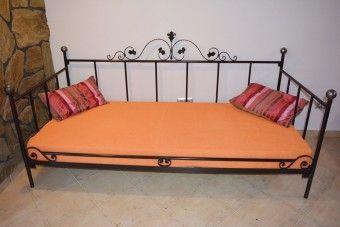Kovová postel model 15