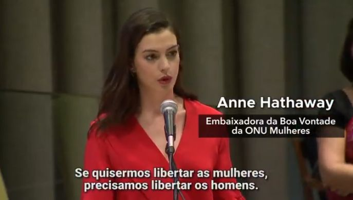 Anne Hathaway discursa na ONU sobre licença parental igualitária