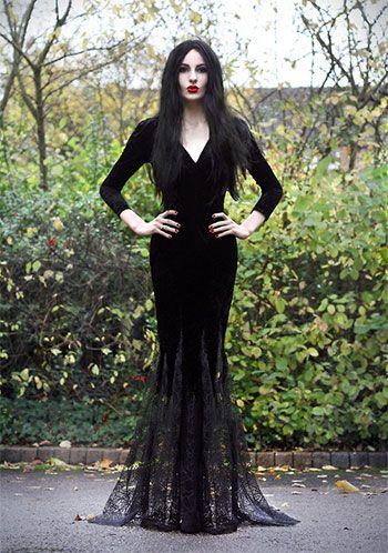 Unique-Yet-Scary-Halloween-Costume-Ideas-2013-2014-For-Girls-Women-7.jpg 350×498 pixels