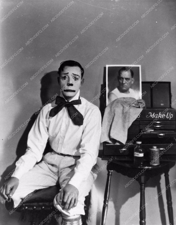 photo Buster Keaton as clown with makeup box and photo Lon Chaney Sr. 891-13