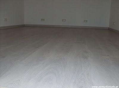 SENHOR FAZ TUDO - Faz tudo pelo seu lar !®: Colocação de 19 m2 de pavimento flutuante em Mem M...