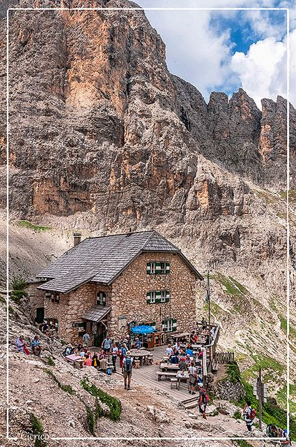 Rifugio Vicenza - Langkofelhütte 2.256 mt | Flickr - Photo Sharing!