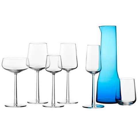 Make a visual statement with Essence by iitala. Your stemware are all at the same height.