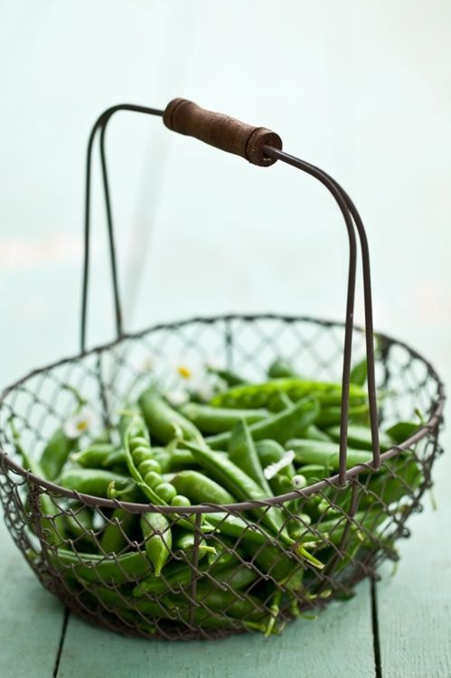 Sugar Snap Peas Use these instead of chips with the hummus.