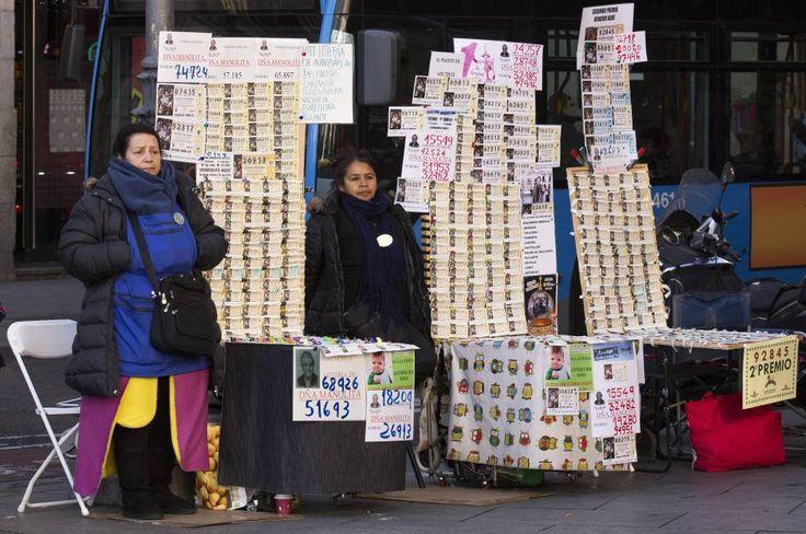 LOTERÍA DE NAVIDAD Consejos para evitar disgustos si compartes décimos de Lotería de Navidad La OCU recomienda guardar los billetes y hacerle fotocopias por ambos lados #Lotería Navidad #Lotería nacional #Lotería #Juegos azar #Juego #news edad#News #noticias #loteria #Navidad