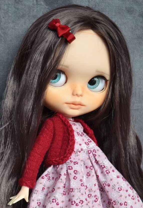 Modificado para requisitos particulares muñeca Blythe por Carlaxy esta chica ya ha sido adoptada pero puede adoptar una chica como esta y elegir un vestido de mi tienda