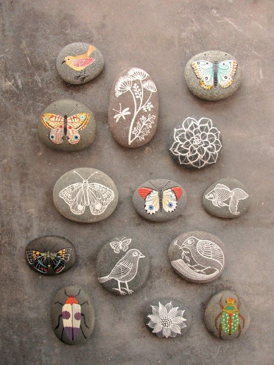 Painted pebbles by geninne
