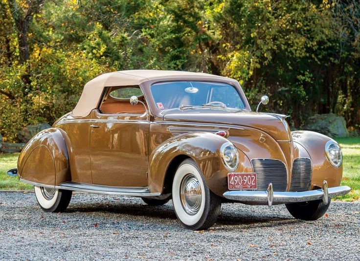 Lincoln Zephyr Convertible Coupe 1938    Like other prestige manufacturers, Lincoln needed a more moderately-priced car to help it endure ...