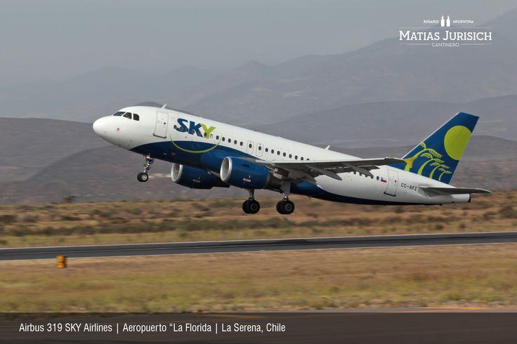 """Airbus 319 SKY Airlines despegando en el Aeropuerto """"La Florida   La Serena, Chile"""