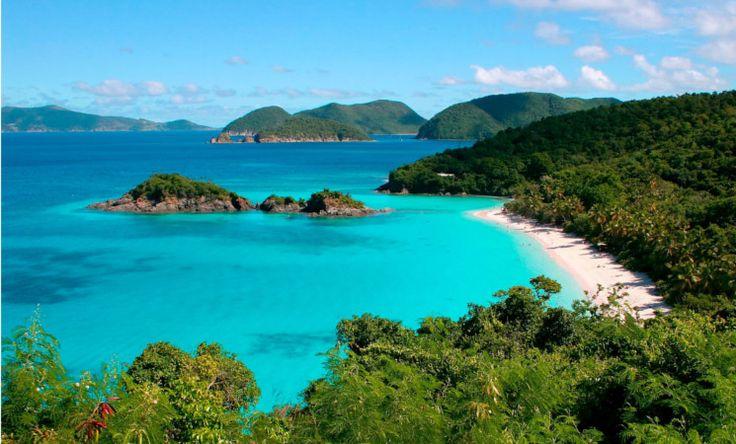 St. John, die kleinste der drei Amerikanischen Jungferninseln zählt mit Sicherheit zu den schönsten Plätzen der gesamten Karibik. Traumhafte Strände (allen voran Trunk Bay) kristallklares, Wasser