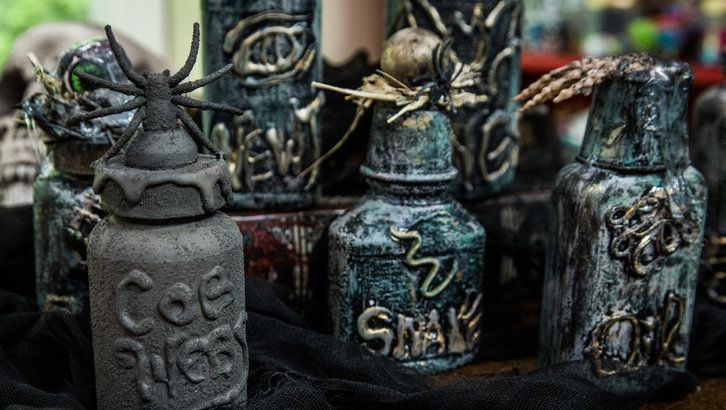 DIY Halloween Decorative Bottles