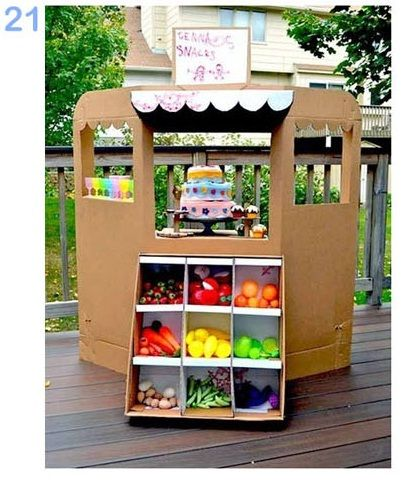 25 formas de reciclar cajas de cartón para que tus hijos se diviertan pasteleria-de-carton-