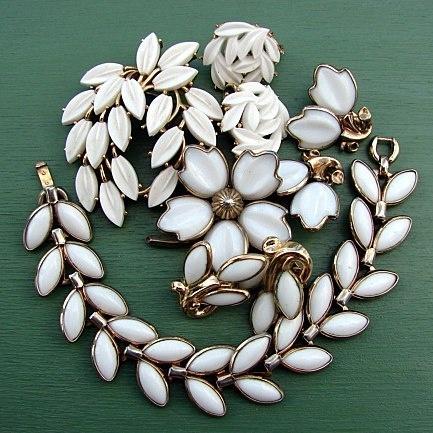 Bijoux vintage americani anni 50.. ! Di Backflip, che troverete a Iseo domenica 3 marzo! backflipping.wordpress.com