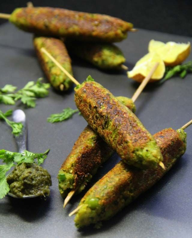 hare bhare seekh, indian snack, kakabs, vegetarian seekh, indian party recipe, green peas and soy granules kababs, vegetarina cutlets, india...