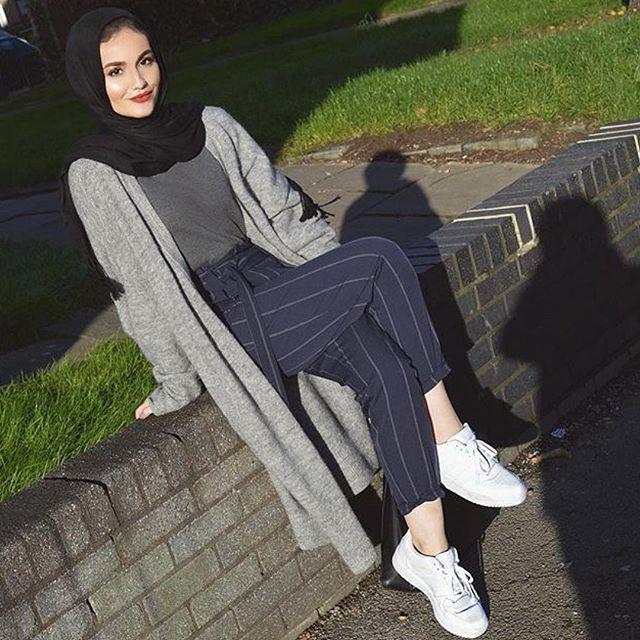 Casual hijab fashion style #StreetHijabFashion