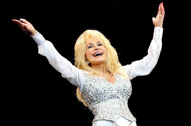 Dolly-Parton-Glastonbury-2014-billboard-650
