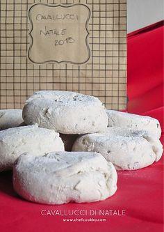 Per la rubrica #ideeregalo oggi vi presento i Cavallucci!!! Biscotto tipico del Natale Toscano, quel biscotto che insieme ai Ricciarelli e al Panforte trionfa su tutti gli scaffali dei supermercati...
